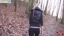 Скриншот для Блондинка спортсменка делает парню минет
