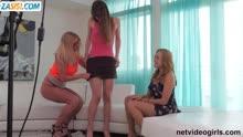 Скриншот для Лесбиянки снимают на камеру любителськую групповуху