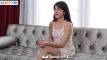 Скриншот для Парень с 18 летней телкой снимает порно от первого лица
