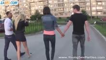 Скриншот для Две пары занялись групповухой после прогулки