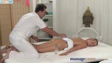 Скриншот для Зделал массаж и нежно присунул пациентке