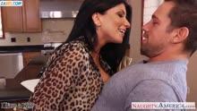 Скриншот для Муж с женой жестко трахаются на кухне