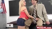 Скриншот для Студентка охмурила препода чтобы сдать зачет