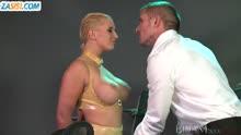 Скриншот для Блондинка стонет от БДСМ оргии